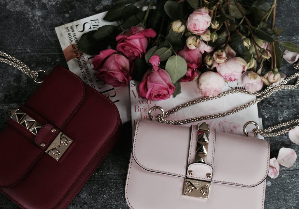 New in – Valentino 'Lock Small Bag' SALE