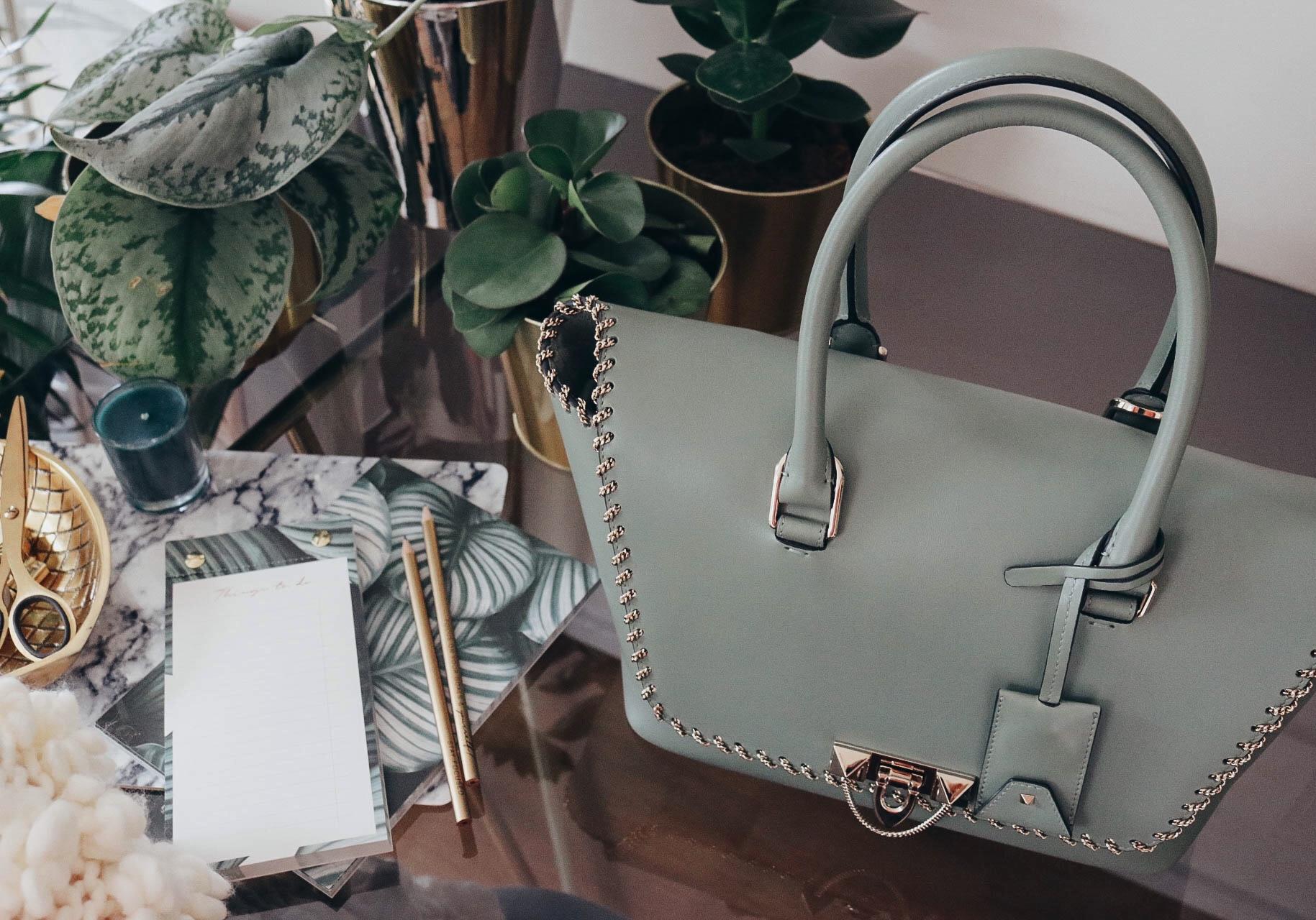shoppinator taschen designer designertaschen kaufen rabatt sale schn ppchen valentino garavani. Black Bedroom Furniture Sets. Home Design Ideas
